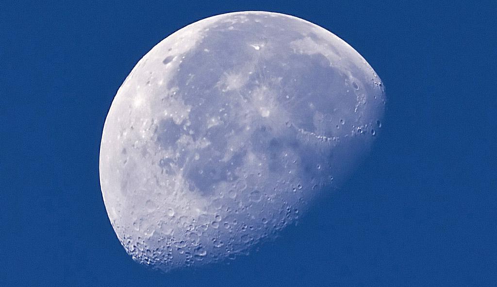 Moon-Johan-J.Ingles-Le-Nobel-Flickr-2